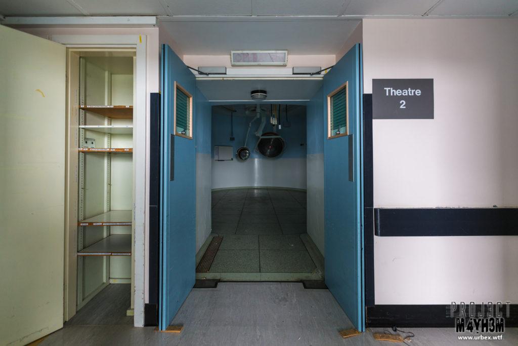 The Queen Elizabeth II Hospital - Operating Theatre