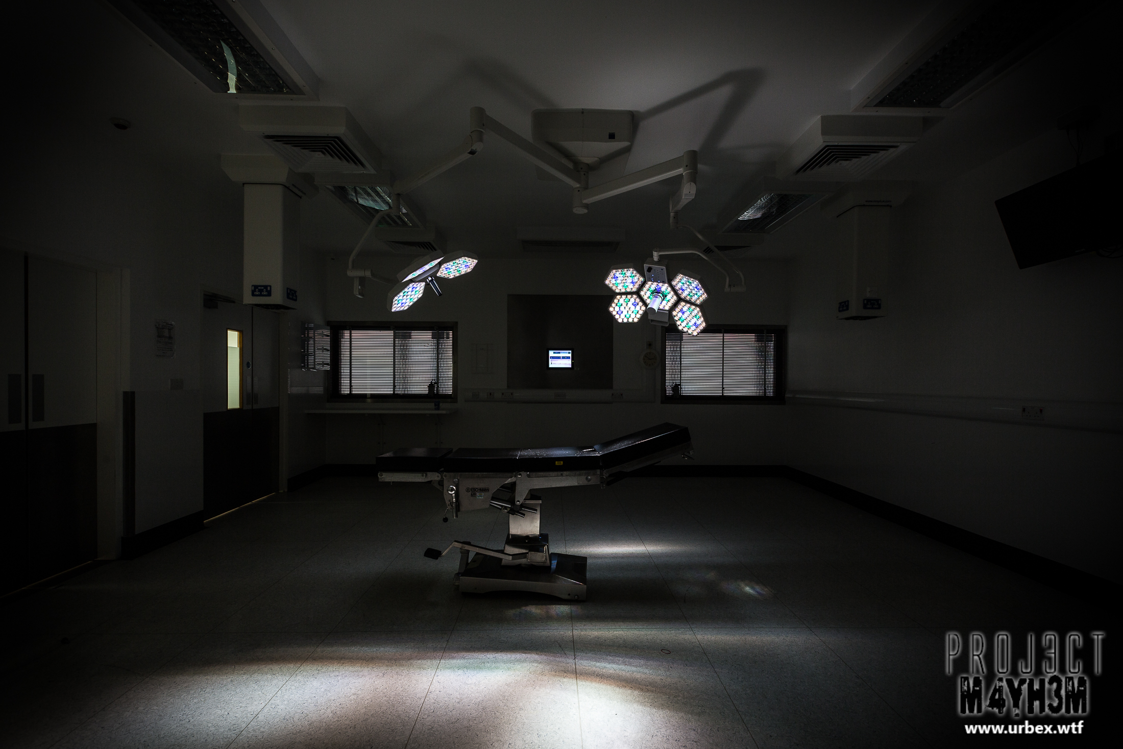 An abandoned Hospital operating Theatres with working lights!