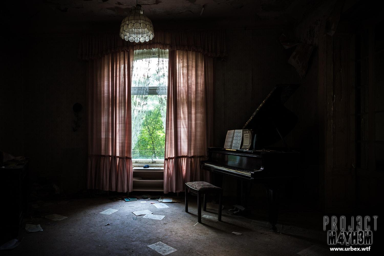 4. Grotrian-Steinweg Grand Piano