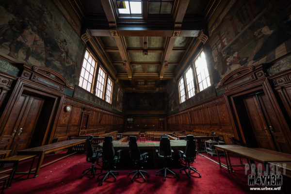An abandoned Courthouse